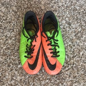 Shoes - Nike soccer cleats